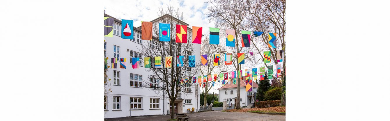 Jacob Dahlgren, The Flag Project, Kunsthalle Göppingen 2020, VG Bild_Kunst 2020 Foto Frank Kleinbach
