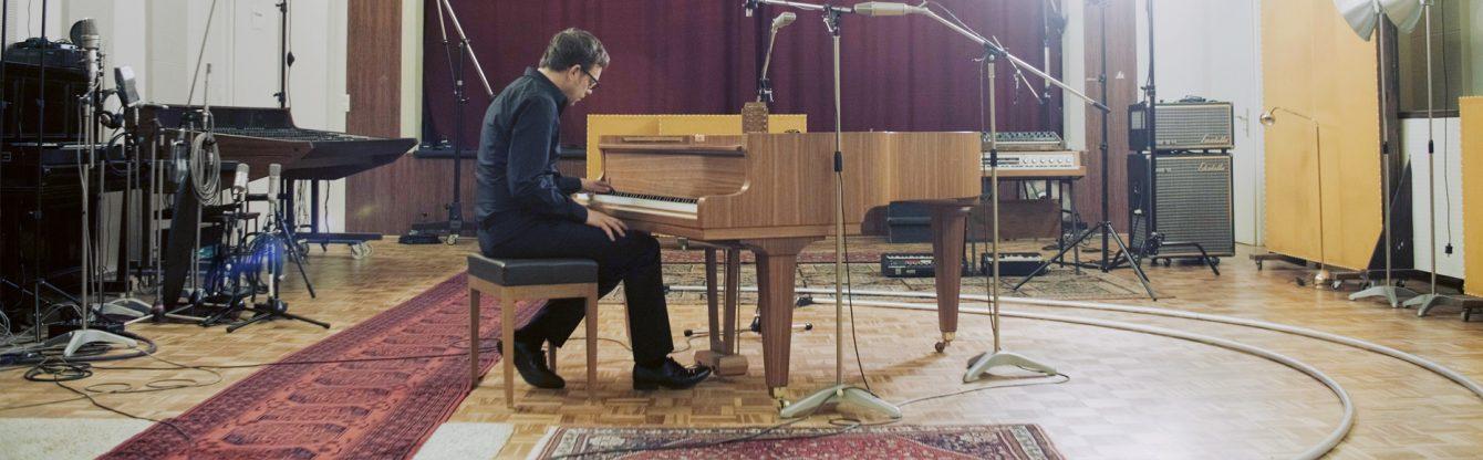 Johanna Diehl, BROKEN REPERTOIRE, 2019, Full HD Video, Videoinstallation mit Sound, 16:9,  Farbe, Flügel/Komposition Marc Schmolling